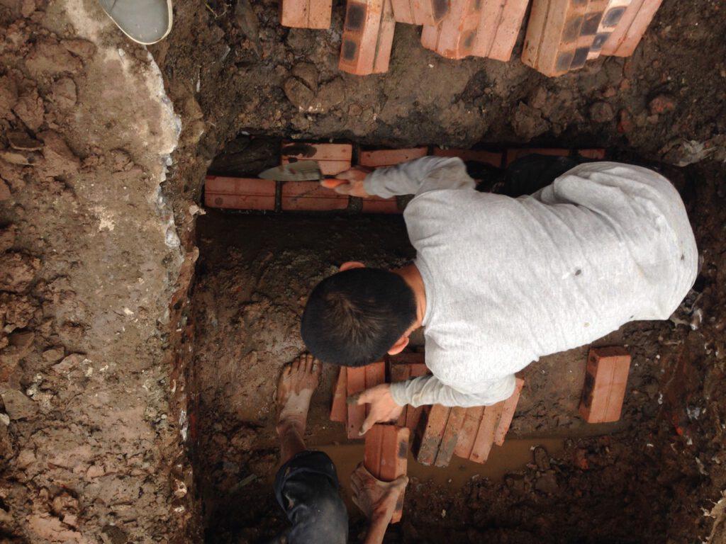 thợ xây hố ga chuyên nghiệp